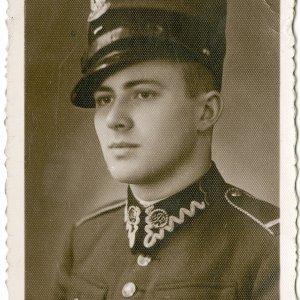 Zdzisław Antoni Jeziorański w mundurze bombardiera podchorążego rezerwy, grudzień 1936 r., fot. ze zbiorów Ossolineum