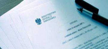 Akty normatywne, w których zapisano zmiany wprowadzone w związku z reformą edukacji
